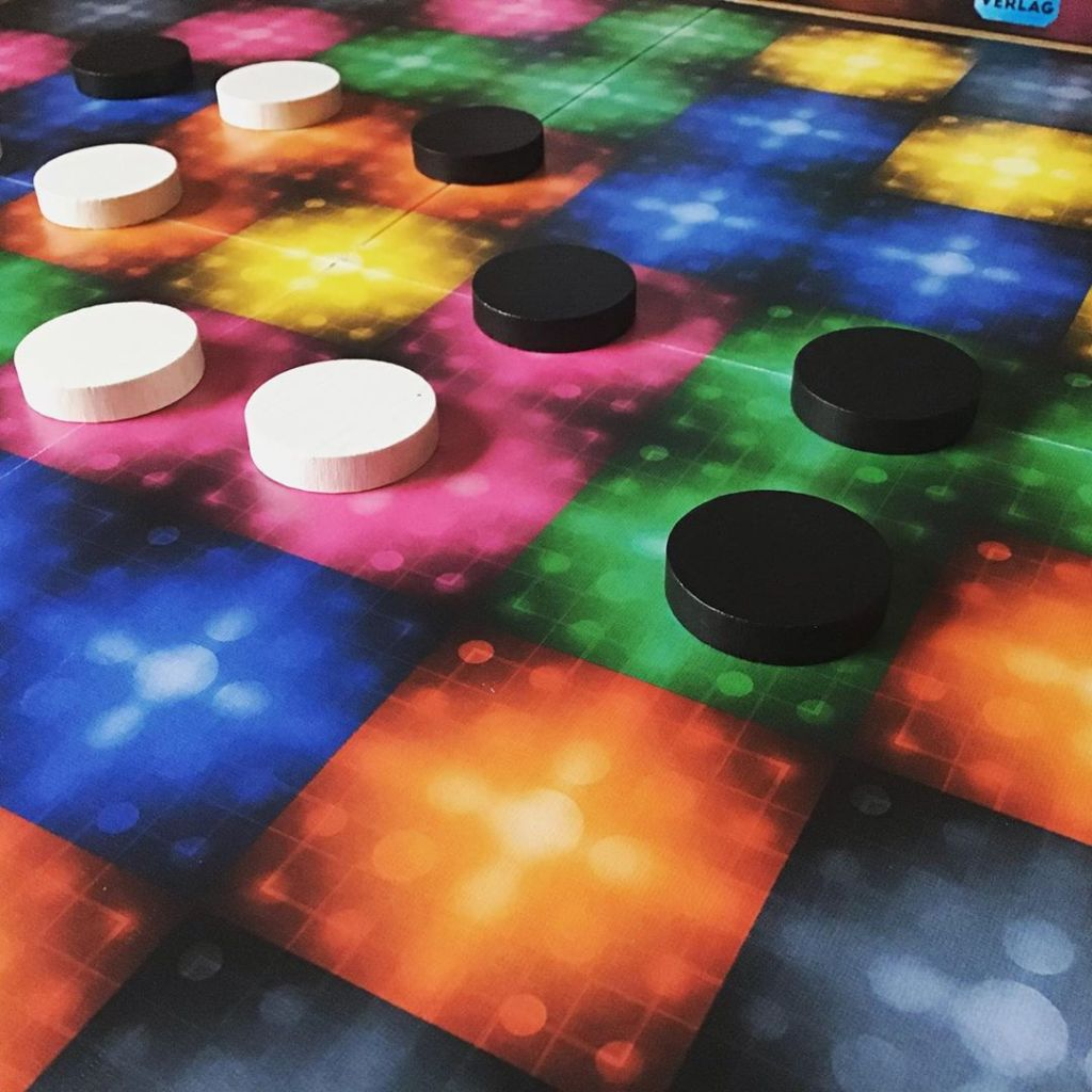 Read the review of Qango. A two player game that only lasts a couple of minutes!